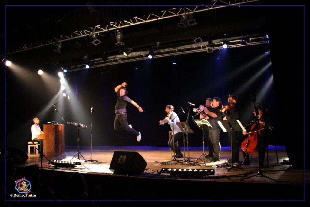 Greg ALLAYES et Benoit DENDIEVEL sur scène avec les musiciens